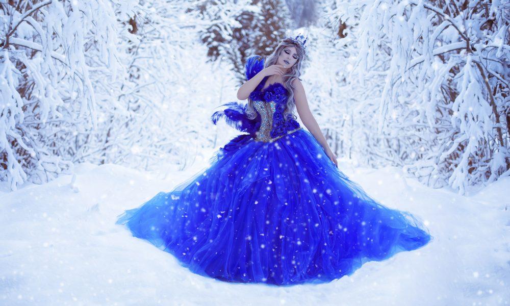 Winter-Fantasy-Fotoshooting-photo-schnee-snow-blue-blau-königin-queen 1