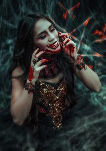 Blog-und-Beiträge-Halloween-vorbereitung-Vampir-Fotoshooting-Schweiz