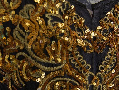 golden vampir outfit fantasy